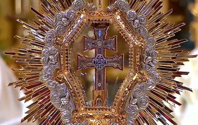 la nueva cruz de caravaca tras el robo de la original